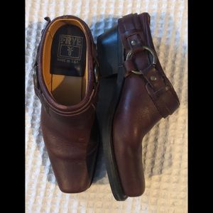 FRYE Brown Leather Harness Clog Brass Hardware 8.5